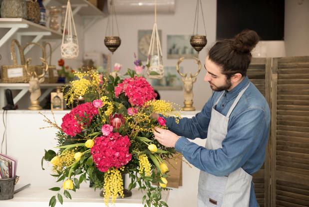 """""""independent designer floral artist"""""""